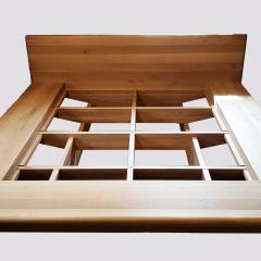 Kokudoma_floating_oak_bed_7.jpg
