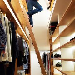 Kokudoma_walk-in_closet_oak_led_18.jpg